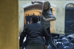 """Marvel's Iron Fist"" in Action: Finn Jones als Danny Rand © Netflix"